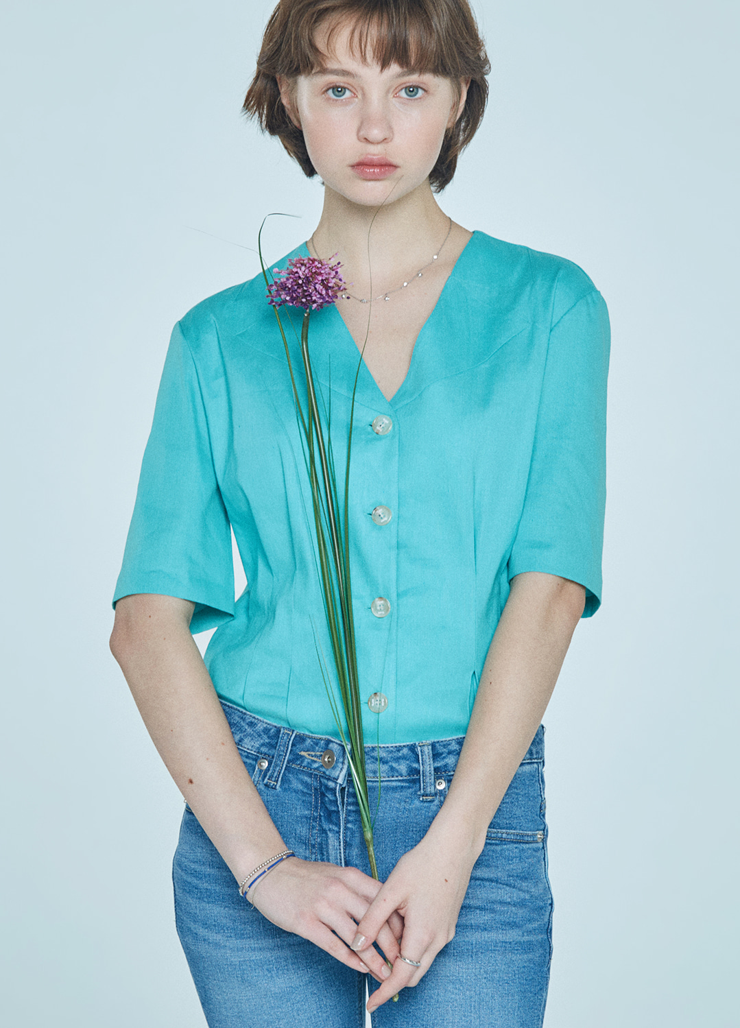 cutting collar blouse Green 30%