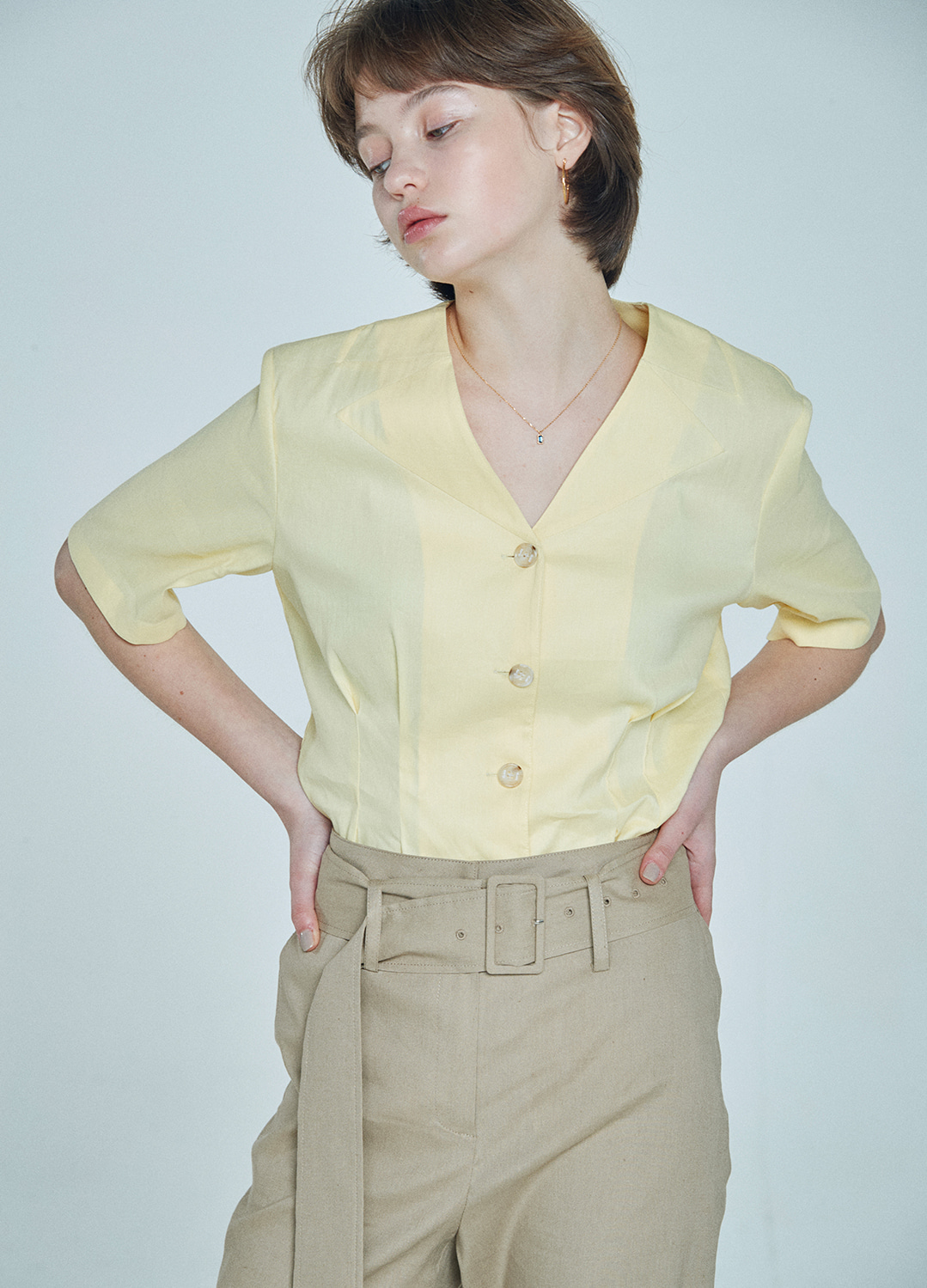 cutting collar blouse Yellow 30%