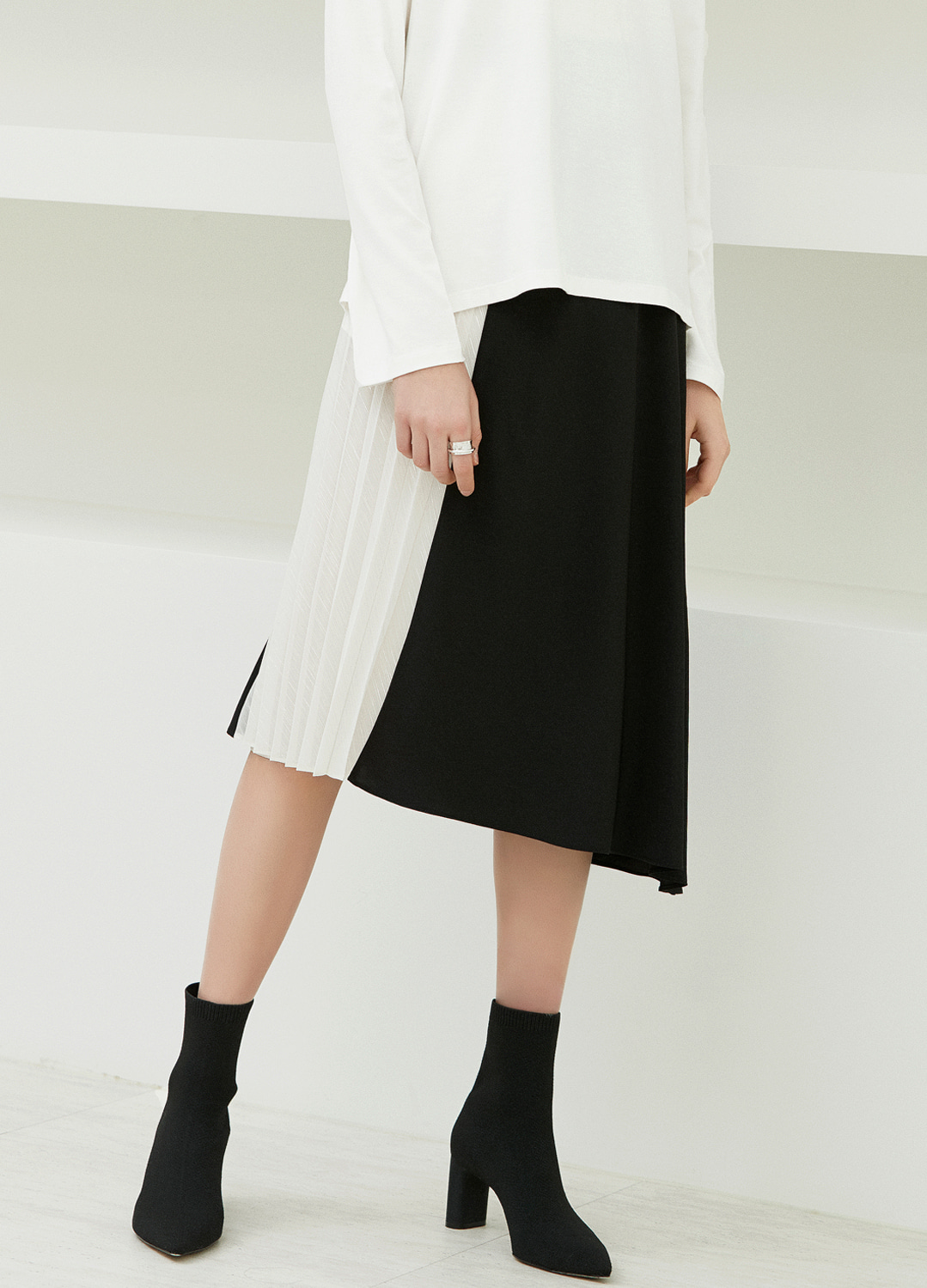 pleats flare skirt Black