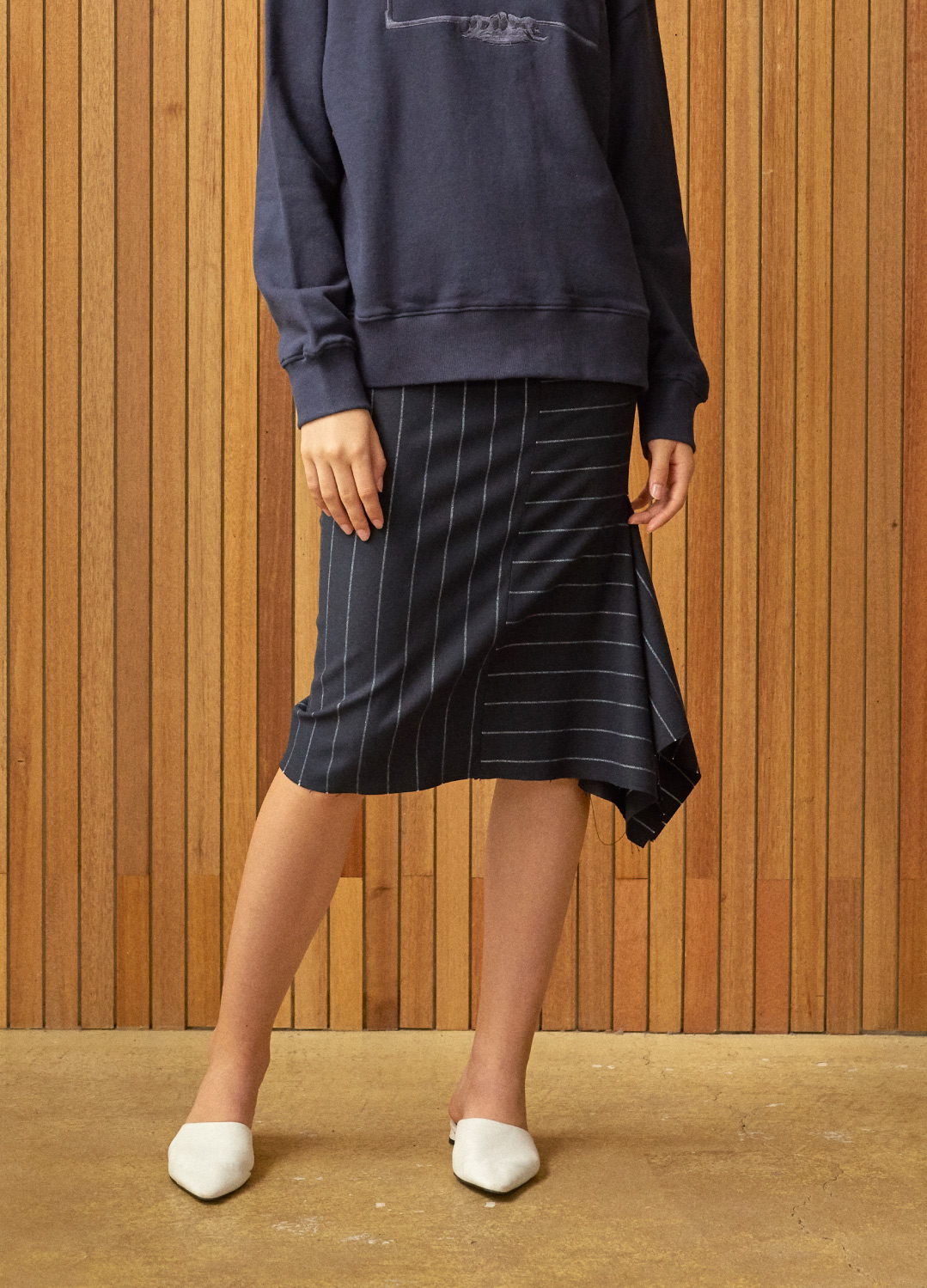side slit stripe skirt Navy