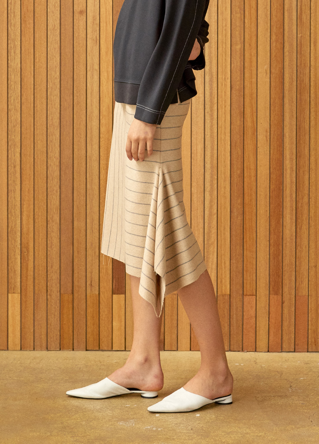 side slit stripe skirt Beige