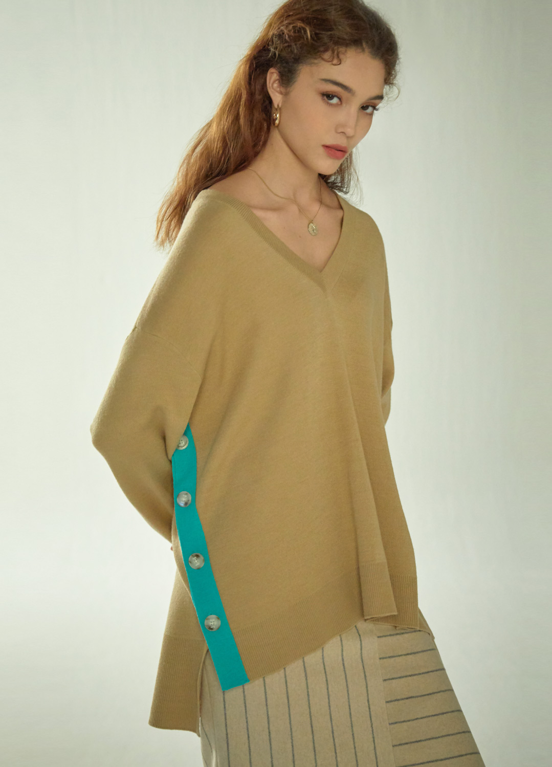 two-tone sweater Beige